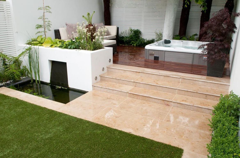 kleine tuin ontwerp jacuzzi trap gras